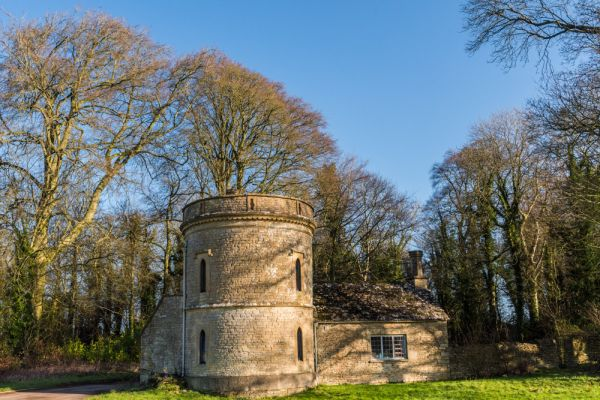 Cirencester Park photo, The Round Tower folly