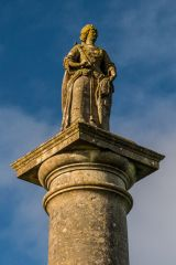 Queen Anne's Monument statue