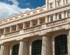 Clarence House, Neo-classical columns on the house exterior