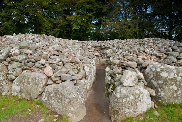 Clava Cairns photo, Entrance to cairn