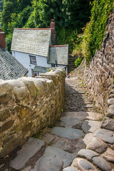 Clovelly photo, Steep steps down to a secluded cottage