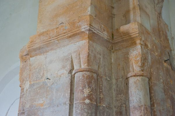 Coln St Dennis Church photo, Norman arch capitals