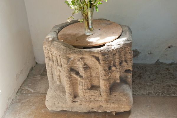 Combe Longa, St Laurence Church photo, 14th century font