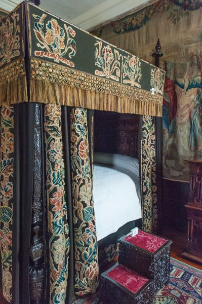 Cotehele photo, King Charles' Room