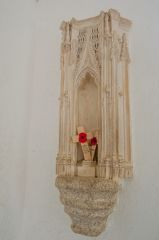 Cotehele, Chapel in the Woods, Statue niche by the altar