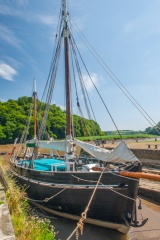 The Shamrock Tamar sailing barge
