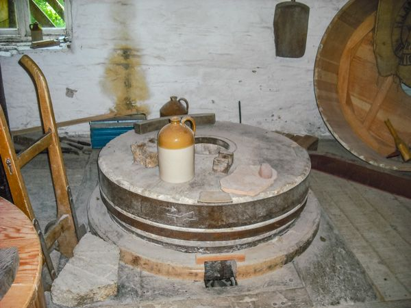 Cotehele Mill photo, Grinding stones inside the mill