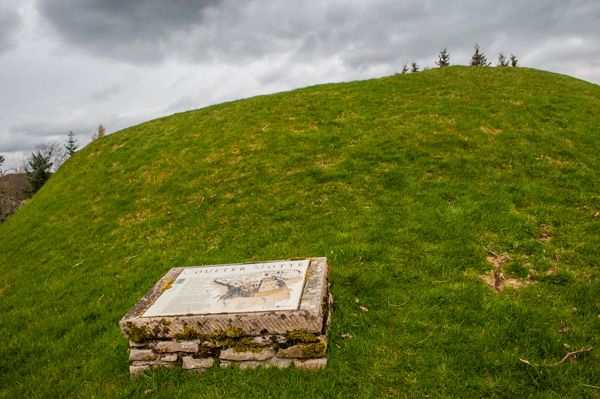 Coulter Motte photo, The motte and Historic Scotland panel