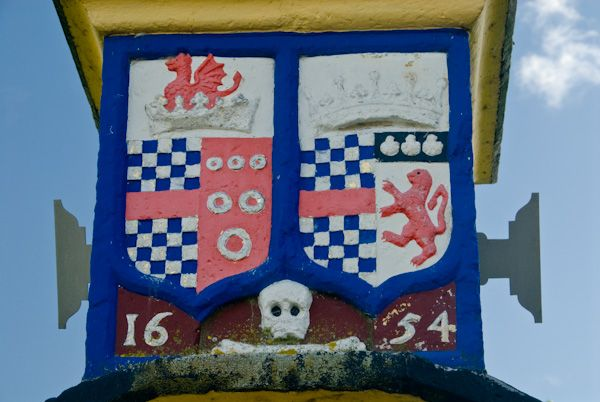 The Countess Pillar photo, Clifford Coat of Arms