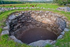 Corrimony Chambered Cairn, The burial chamber