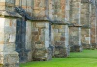 Crossraguel Abbey, Abbey church buttresses