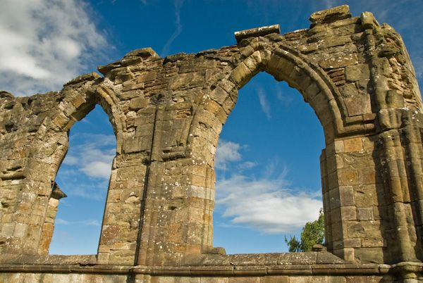 Crossraguel Abbey photo, Church arches