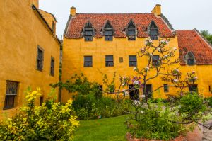 Culross Palace and Royal Burgh