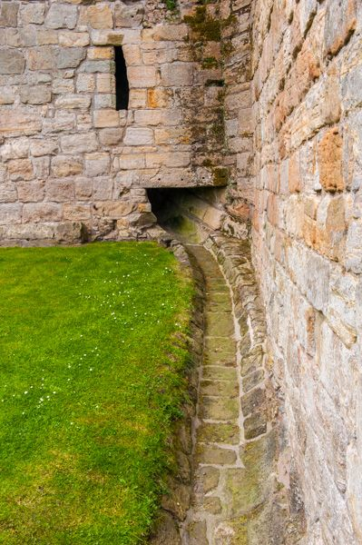 Culross Abbey photo, Medieval latrine drains