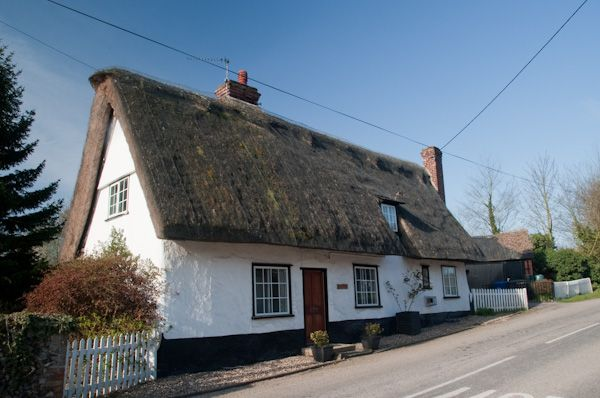 Dalham photo, Thatched cottage