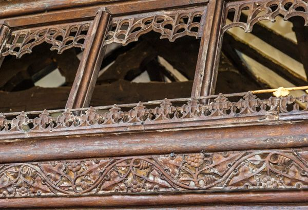 Derwen, St Mary's Church photo, Carving detail on the screen