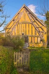 An ancient cruck-framed cottage