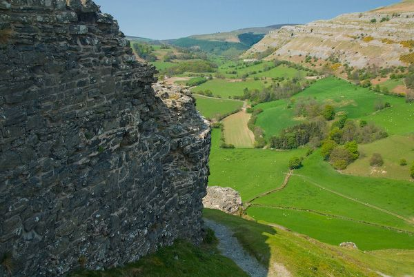Castell Dinas Bran photo, Looking down from the castle wall