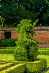 Doddington Hall, Unicorn topiary in the garden