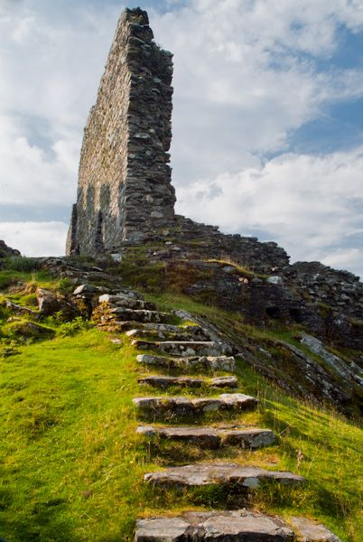 Dolwyddelan Castle photo, Stairs to the keep