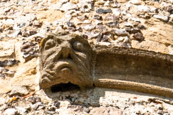 Donnington Castle photo, Grotesque carving, gatehouse tower