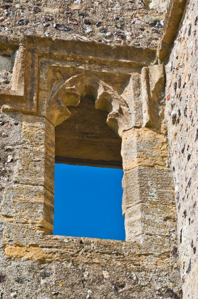 Donnington Castle photo, Ruined doorway in the gatehouse