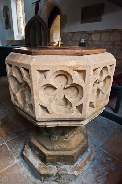 Dowdeswell, St Michael's Church photo, 15th century Perpendicular font