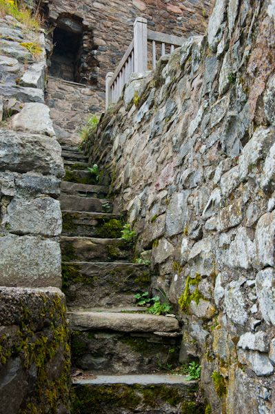 Drumin Castle photo, Stairs to the hall