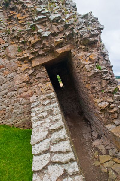 Duffus Castle photo, Collapsed section of tower