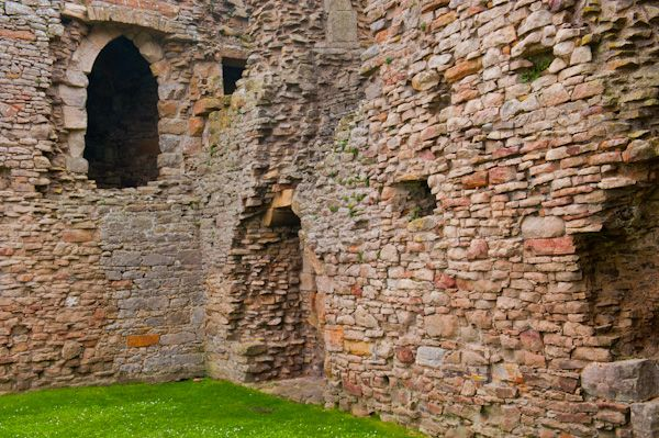 Duffus Castle photo, Lower hall