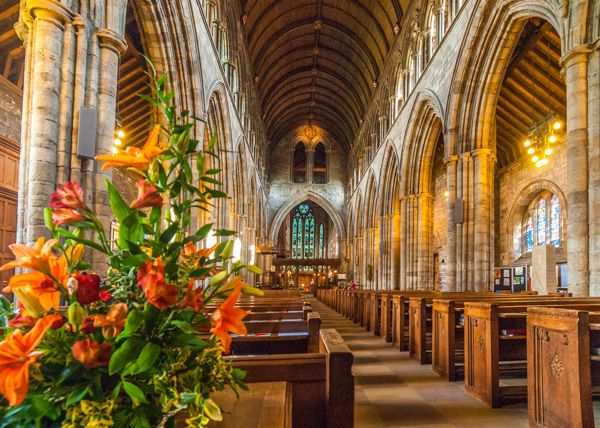 Dunblane Cathedral photo, The cathedral nave