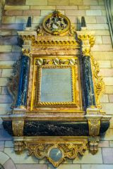 1793 gilded wall monument