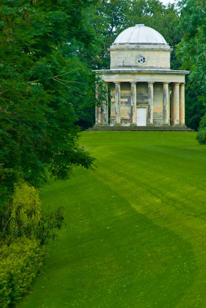 Duncombe Park photo, Another view of the Doric Temple