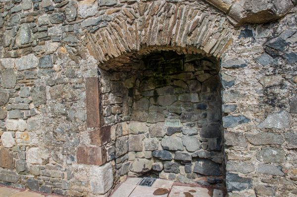 Dundonald Castle photo, Fireplace in the upper hall