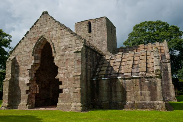 Dunglass Collegiate Church photo, Chapel exterior 2