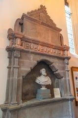 Dunkeld Cathedral, Sir Donald Currie Memorial