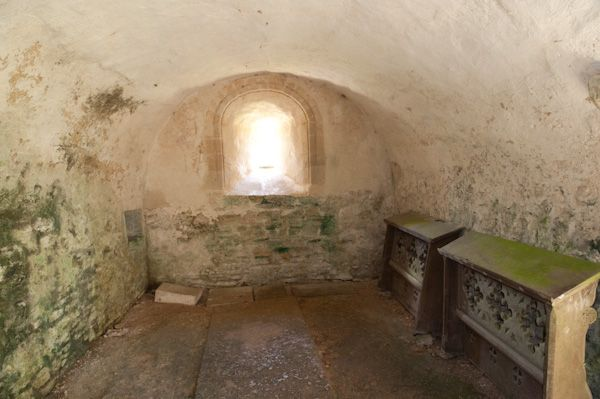 Norman crypt, Duntisbourne Rouse