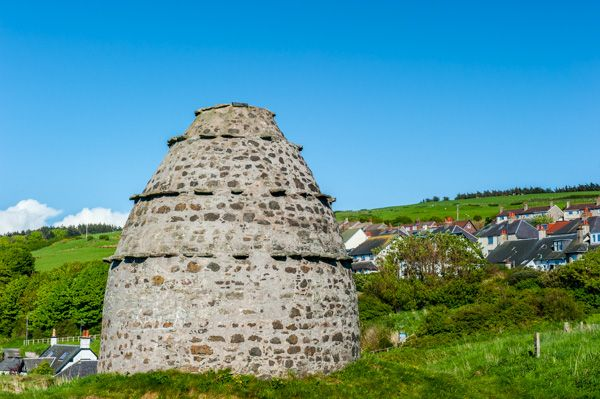Dunure Castle photo, The doocot
