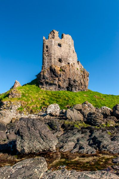 Dunure Castle photo, The castle from the rocky beach below