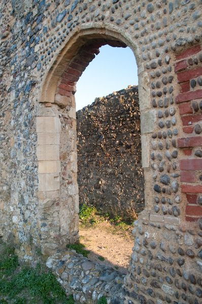 Dunwich Greyfriars photo, Refectory doorway