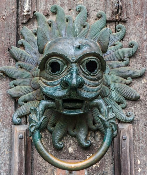 Durham Cathedral photo, A closer look at the sanctuary knocker