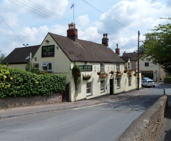Dursley photo, Old Spot Inn (c) Jaggery