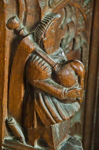 Earl Stonham, St Mary's Church photo, Bagpiper carving