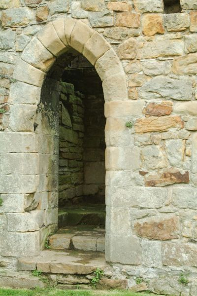 Easby Abbey photo, Abbey archway