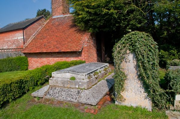 East Bergholt, St Mary's Church photo, Constable family tomb