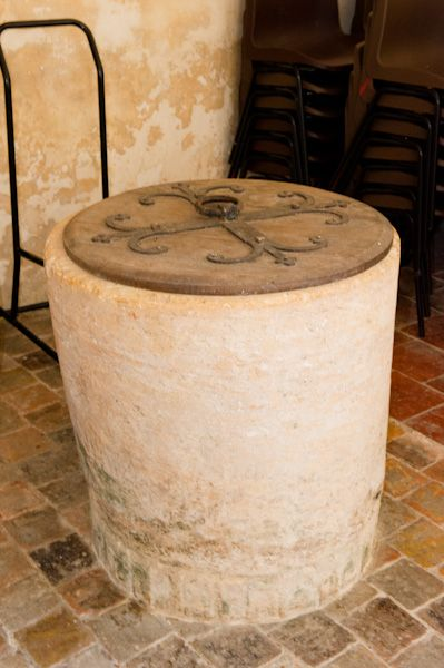 East Shefford, St Thomas' Church photo, Norman font