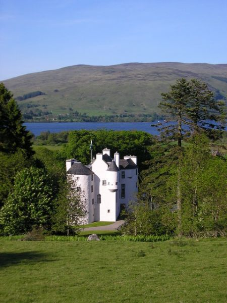 Loch Earn photo, Edinample Castle (c) Karl and Ali