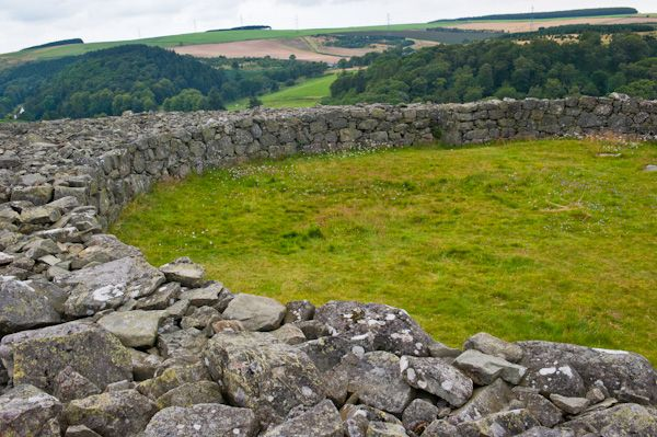 Edin's Hall Broch photo, Courtyard and broch wall