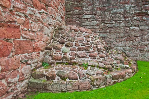 Edzell Castle photo, A collapsed fireplace with bread oven