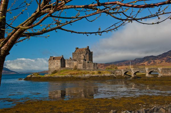 Eilean Donan Castle photo, A sunny morning in April